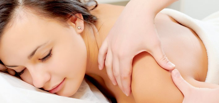 5 Reasons To Hire Home Massage Services